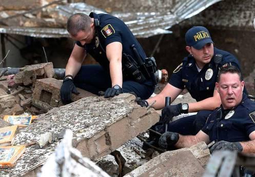 Tornado Moore Police